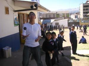 NathanChow-JugglingAtAPeruSchool (1)